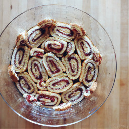 trifle dessert spongecake swissroll jamroll